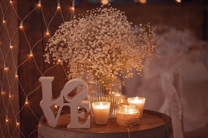 A Romantic Rustic Wedding Theme