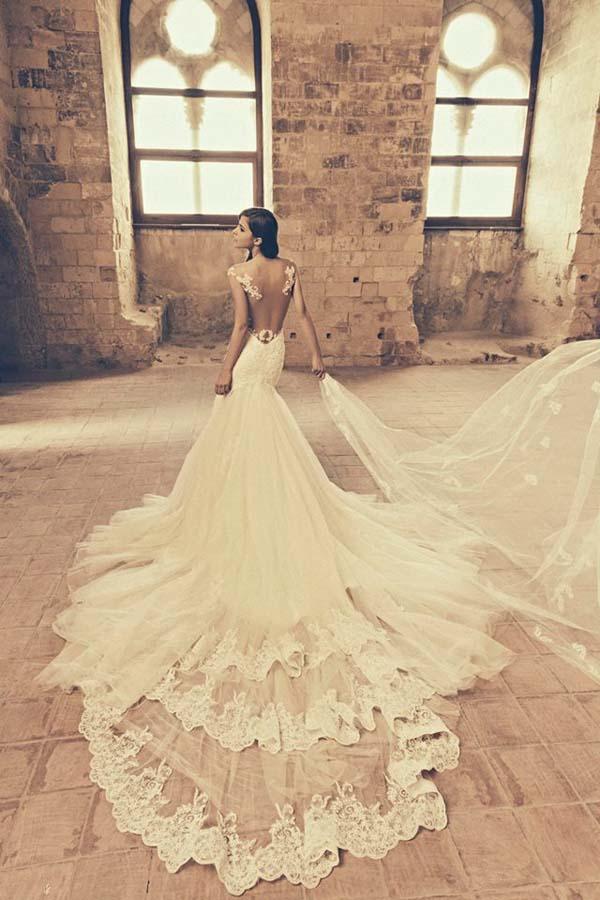 Julia Kontogruni Wedding Dress Train