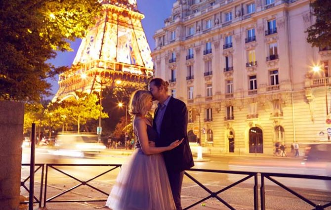 honeymoon couple photography session Paris