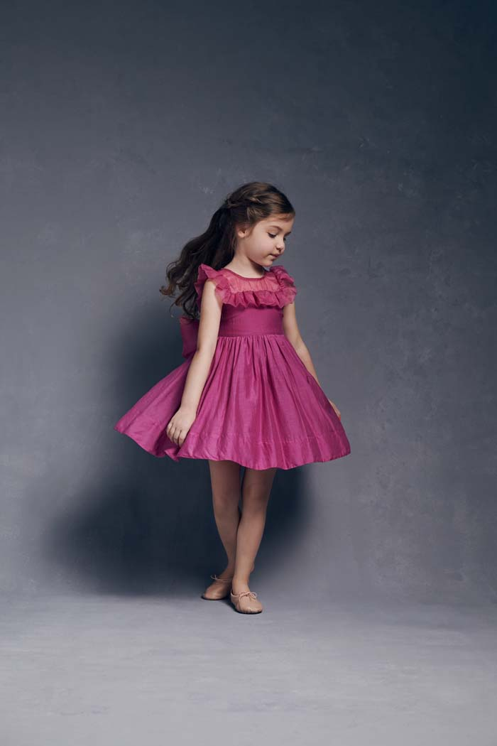 997f0758788 35 Unbelievably Cute Flower Girl Dresses for a Spring Wedding ...