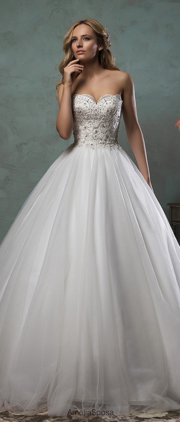 25 Spectacular & Sparkly Wedding Dresses - Modern Wedding