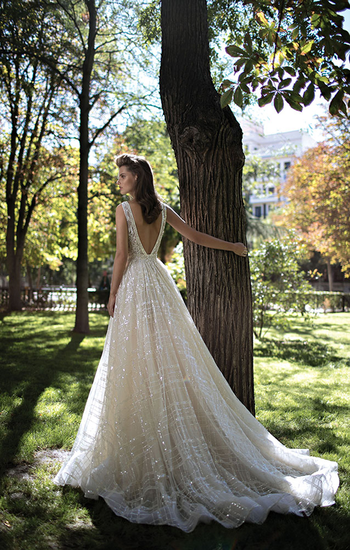 25 Spectacular Sparkly Wedding Dresses