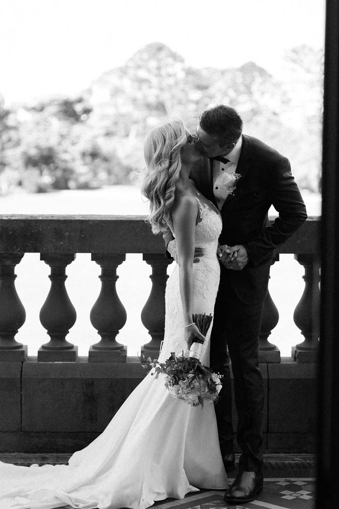 elegant black and white real wedding 3