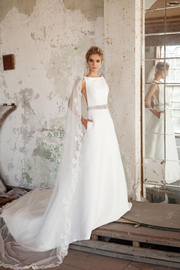 40 Simple Wedding Dresses With Standout Details! - Modern Wedding