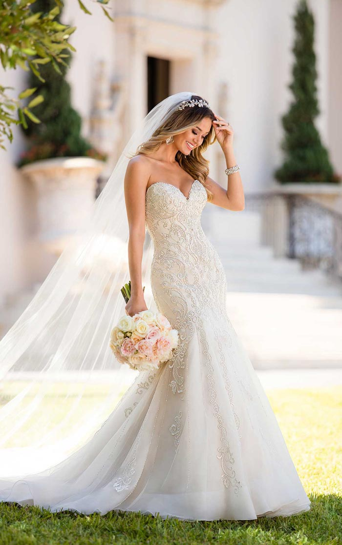 The Wedding Dress Trends We Are Loving for 2018 - Modern Wedding